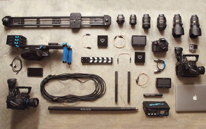 Kisfilmek, televíziós és rádióriportok készítése